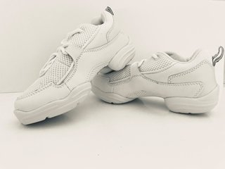 Picture of White Capezio Dansneakers